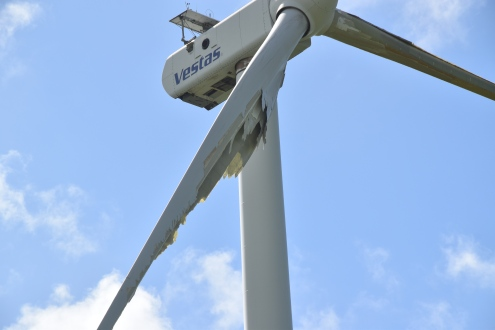 Severe delamination occurred on the blades at the wind energy site in Punta Lima